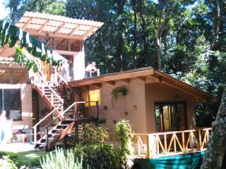 RoseWood House Inspiration in the Forest !, Monteverde Cloud Forest Reserve