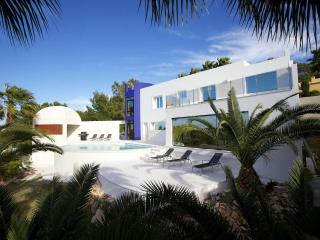 Wonderful ultra modern villa with infinity pool, Sant Josep de Sa Talaia