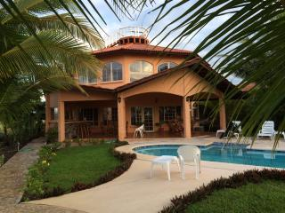 3-Bedroom Panama Beachfront Paradise with Pool, David
