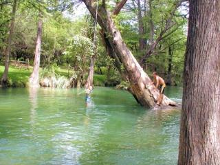 RR Bed & Bakery 1/4 mile from Blanco River, Wimberley