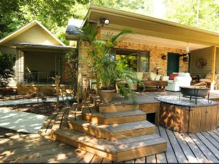 Charming, Roomy and Renovated Bungalow, Asheville