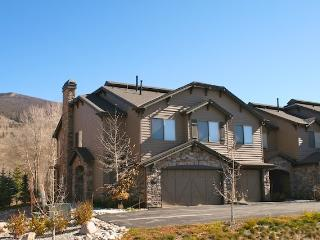 Trout House - Beutiful 4 bedroom on the Blue River, Silverthorne