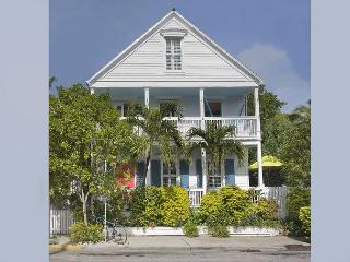 Southard Love  - Gorgeous Historic Home! Large and Spacious - Sleeps 7, Key West