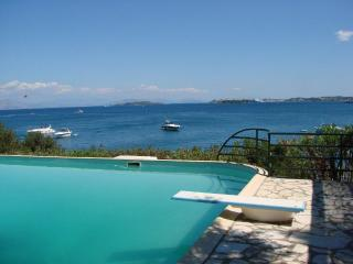Luxury villa with private beach and  pool, Gouvia