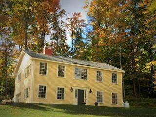 Newly Renovated Luxury Colonial close to everythin, Manchester