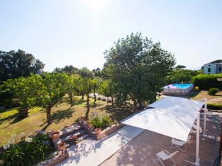 Recently renovated flat with pool, garden, parking, Piano di Sorrento