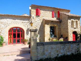 Lambesc Provence, Villa 9p. private pool, 1/2h from Aix-en-Provence