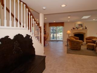 Relaxing Lakefront Home, Laguna Niguel