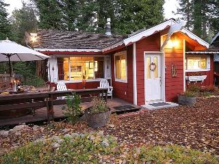 Charming Tahoe House/Close to Ski/Walk to Beach, Tahoma
