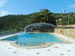 Villa on the hills, great view on the sea! Pool, Camaiore