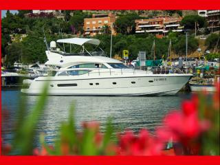 ALL INCLUSIVE LUXURY MOTOR YACHT CHARTER 57ft', East End