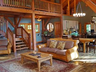 Serenity at its Best - NC Mountain Home, Franklin