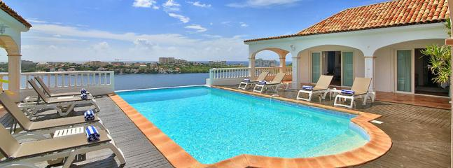 Villa Escapade SPECIAL OFFER: St. Martin Villa 62 Exceptional Views Of Simpson Bay, The Sparkling Caribbean Sea And The Islands Of Saba, St Eustatius And St. Kitts., Terres Basses