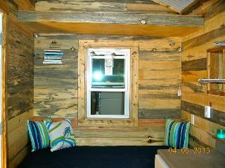 Tiny house, fully contained and super cool, Loveland