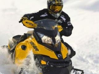 Snowmobile and Cottage with Hot tub Package!, Haliburton
