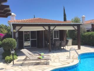 Beautiful Modern Bungalow with Private Pool., Pissouri