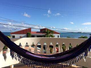 2 BR Breezy Caribbean House with Sea Views, Fajardo