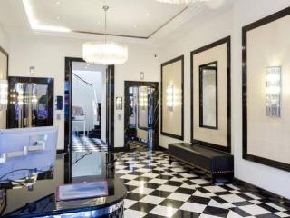 Stunning 2 bed flat in Marylebone with terrace, London