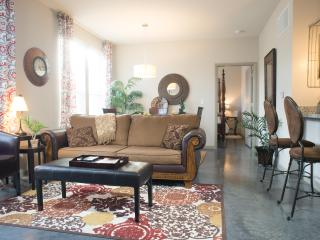 Luxury Corporate rental close to everything, Summerville