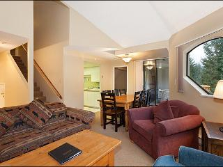 Shared Hot Tub and Pool - 2 Bedroom + Loft (4038), Whistler