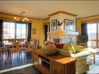 Walking Distance from Village - Views of the Forest and Mountains (6084), Mont Tremblant