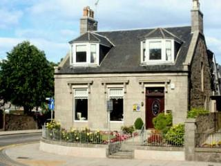The Jays Guest House - 4 Star Bed and Breakfast, Aberdeen