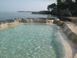 Paradise by The Shore, Negril