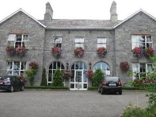 Highfield House Bed and Breakfast, Trim