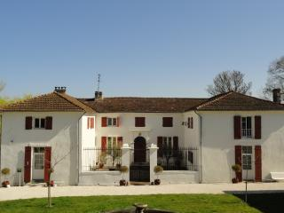 Domaine de Mothis - 3 properties with large pool, Pujols
