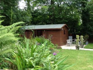 Everglades Luxury Log Cabin - Oswestry Town Centre