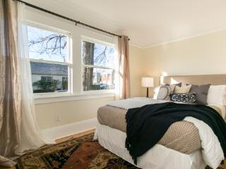 Gorgeous apartment, incredible location, Portland