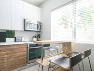 Modern 2 Bdrm NEW Renovation, Miami Beach