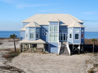 Luxury Waterfront Home with  Private Pool and  Hot Tub, overlooking a private bayfront sandy beach., Dauphin Island