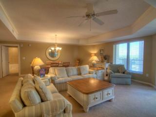 Royale Palms Myrtle Beach Condo in Great Location and with a Pool