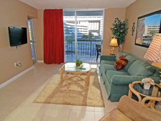 So. Hampton 203, Great 2 Bedroom Rental with a Pool and Terrace, Myrtle Beach