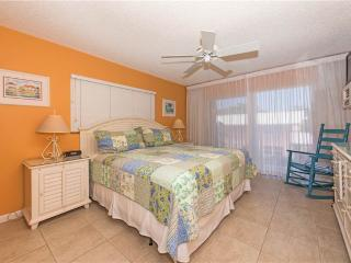 Ocean-front 2BR condo, King & Twin beds #9, Seven Mile Beach