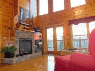 4th nt Free - a Little Romance-View-Pool, Pigeon Forge