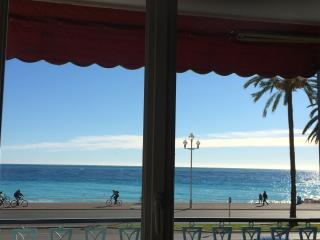 center of the town promenade des anglais sea view, Nice