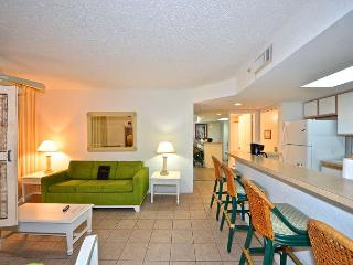 Tortuga Suite #301 - 2/2 Condo w/ Pool & Hot Tub - Near Smathers Beach, Key West