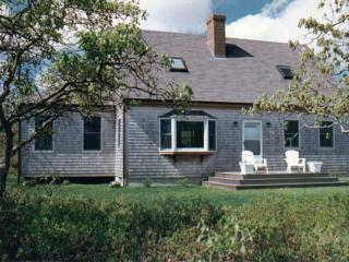 BELAT - West Tisbury Country Setting, Access to Association Pool and Tennis, A/C, Wifi