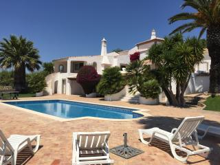 6 bedroom villa with private pool in the Algarve., Loule