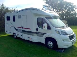 5 Berth Motorhome - 3 x singles and a double bed, Bristol