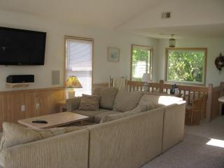 Quaint home with ocean views and privacy, Kitty Hawk