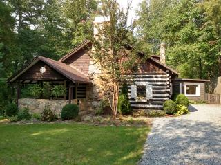 Old World Charm with Modern Conveniences..., Hendersonville