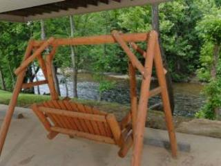 Amy's Waterfront Blessing.  2 King Master Suites., Pigeon Forge