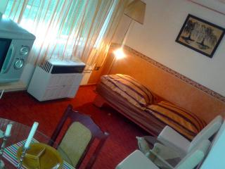 Apartement RED in  Bungalow for 2+2 persons, Keszthely