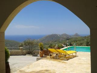 2 Bedroom Villa with amazing view the Libyan Sea!, Spili