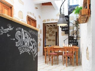 SANSOFI HOSTEL TENERIFE mixed dorm for 4, San Miguel de Abona