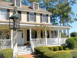 Cottage Relaxation with Modern Touches, Murrells Inlet