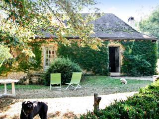 Rustic house with large garden, Aubas